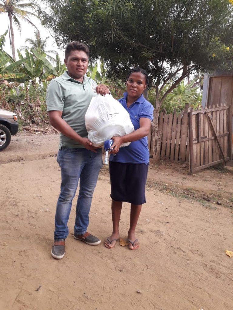 Ante la situación mundial con la pandemia del covid-19, la fundación nubes de amor a realizado su aporte a la comunidad menos favorecida en San Juan de Urabá.